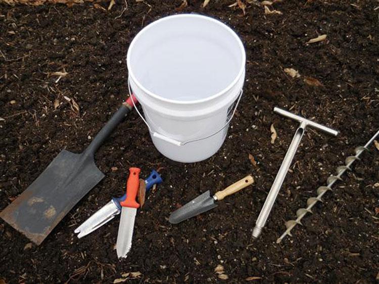 وسایل مورد نیاز جهت نمونه برداری از خاک
